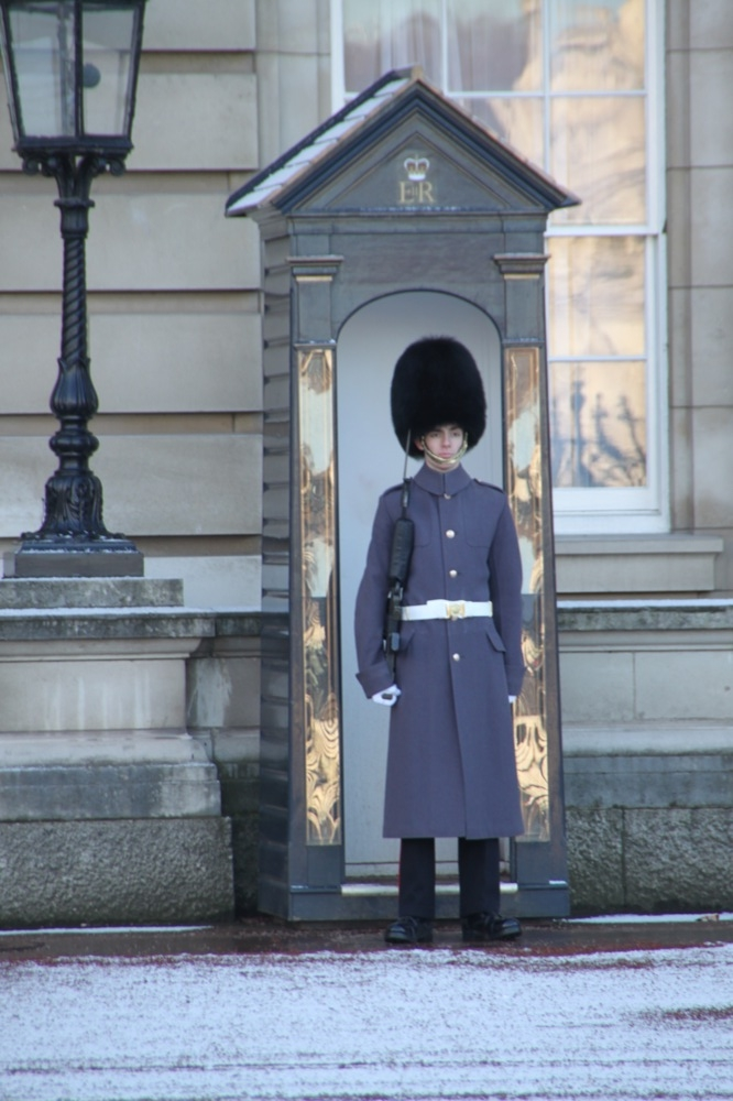 Wache im Buckingham Palace