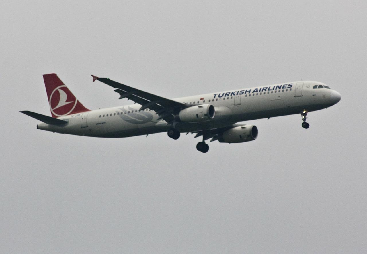 aircraft-112652_1280